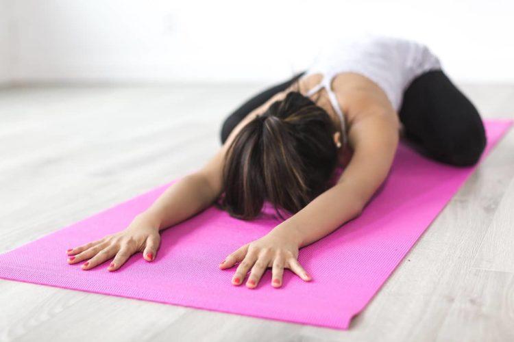 Leer alles over yin yoga, zodat je het thuis zelf kan doen