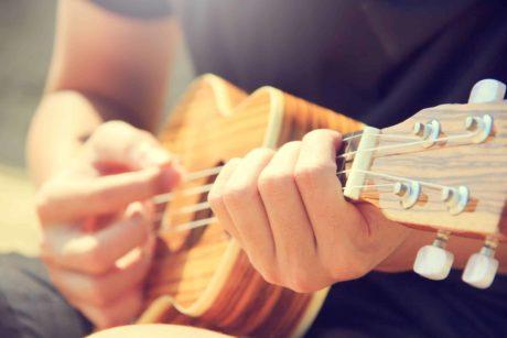 de beste cursus kan persoonlijk zijn, zoals gitaar leren spelen